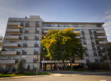 Chaplin Crescent Apartments - Toronto, Ontario - Apartment for Rent