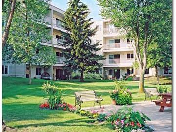 Apartments for Rent in Edmonton -  Redwood Court  - CanadaRentalGuide.com