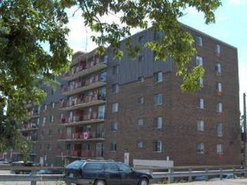 Apartments for Rent in Hamilton -  977 Mohawk Road East - CanadaRentalGuide.com