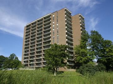 Apartments for Rent in Ottawa -  Driveway Place  - CanadaRentalGuide.com