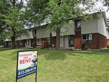 Apartments for Rent in Ottawa -  Crystal Beach West - 27 Elterwater Drive - CanadaRentalGuide.com