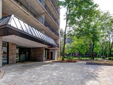 Apartments for Rent in Mississauga -  Lakeshore Apartments  - CanadaRentalGuide.com
