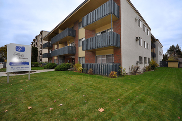Apartments for Rent in Kelowna - Fraser Manor - CanadaRentalGuide.com