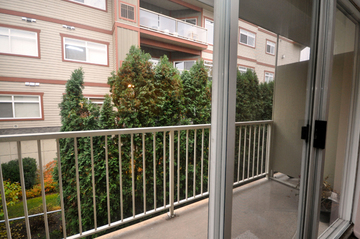 Apartments for Rent in Kelowna - Pandosy Square - CanadaRentalGuide.com